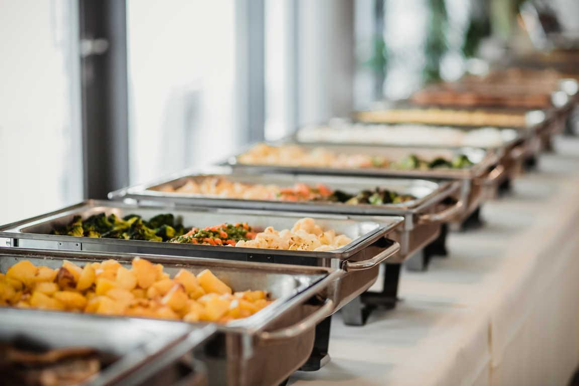 En qué debes fijarte al elegir servicio de catering