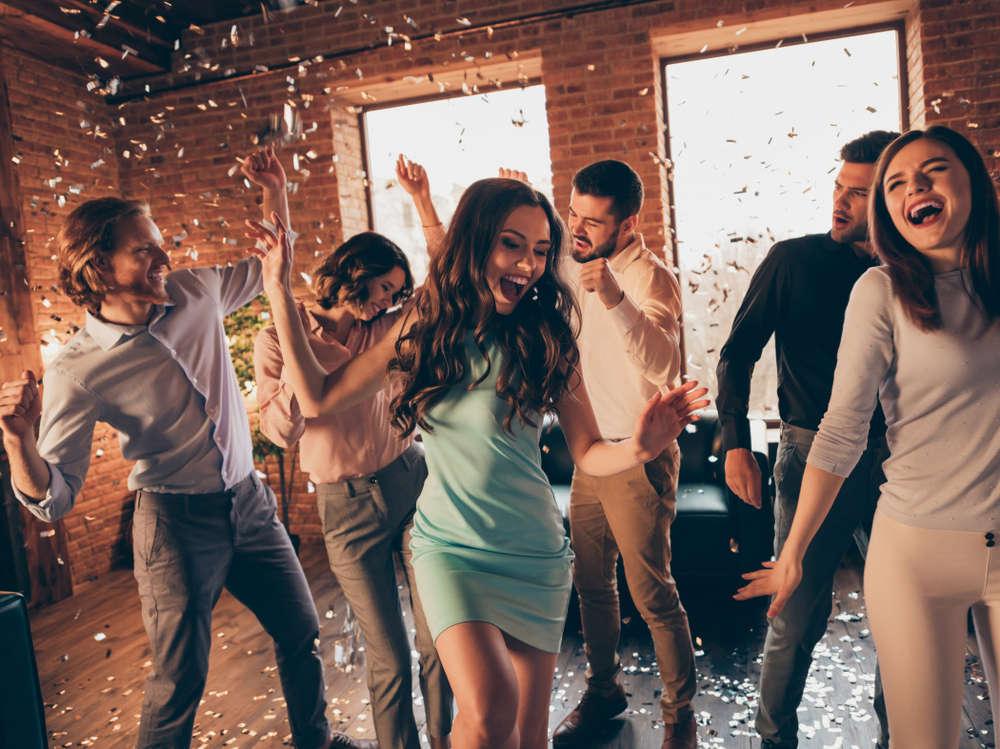 Despedidas de soltero y soltera: cada vez más reclamadas a causa de la publicidad de las empresas organizadoras en Internet